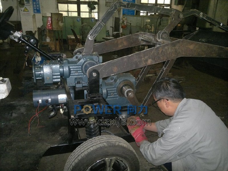 R/K系列减速机应用电动装载机